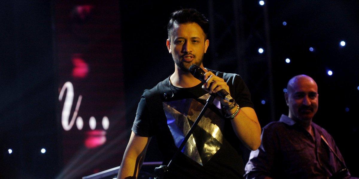 Pakistani pop star Atif Aslam interrupts concertafter seeing sexual harassment