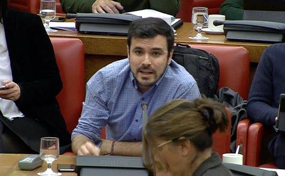 Las políticas de recortes del PP, apoyadas por PSOE y Cs, destrozan la economía.