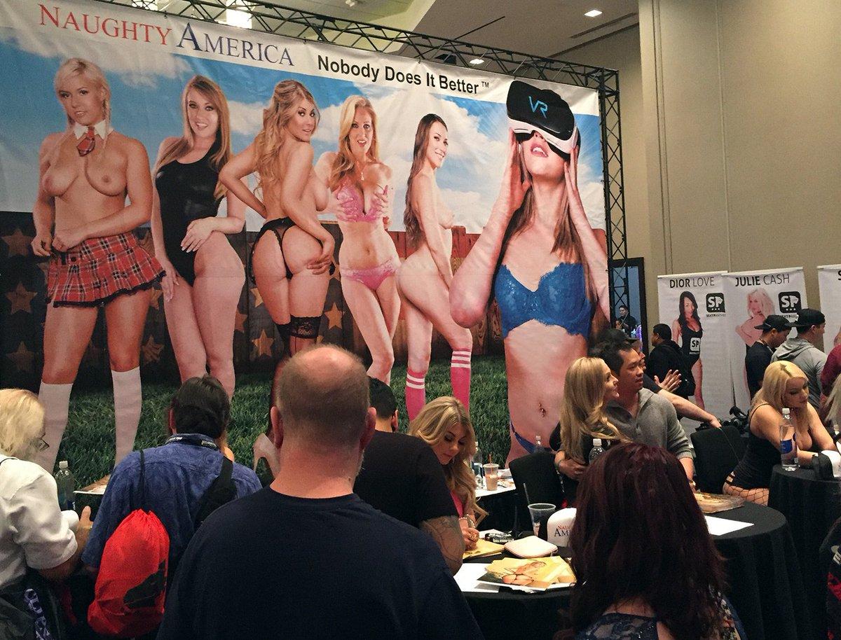 Viva Las Vegas! It's another beautiful day at #AVN2017. #BestJobEver jNiIgT2pF5
