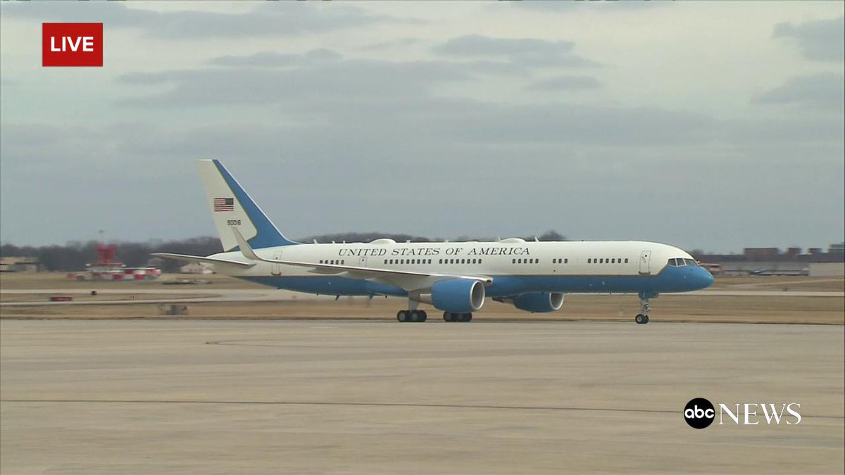 trumps plane and the president plane
