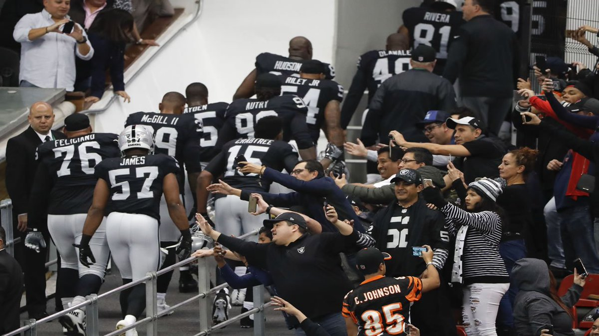 THIS JUST IN @RAIDERS file papers to move from Oakland to Las Vegas