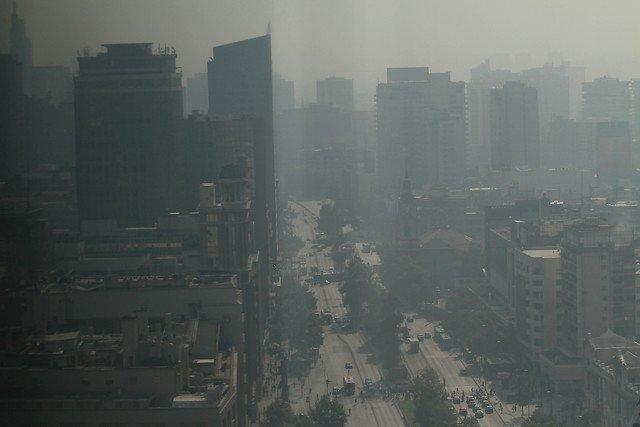 Humo en Santiago y Rancagua ¿Por qué no se declara Alerta Ambiental?