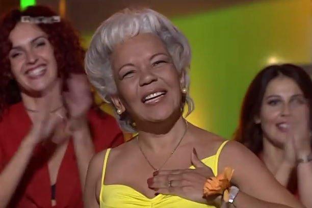 "#ChorandoSeFoi La cantante que hizo famosa ""La Lambada"" apareció carbonizada en un auto."