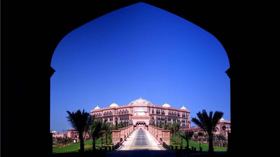 Abu Dhabi creó un Tribunal especial por los turistas que ignoran las costumbres locales