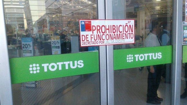 Cerraron dos supermercados por tener a sus trabajadores sometidos a altas temperaturas