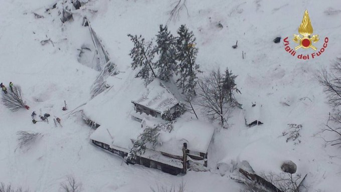 At least 3 people are dead, dozens more remain trapped inside a small Italian hotel after an avalanche https://t.co/dlxES2unwQ