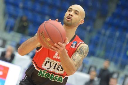 Basket, Eurocup: il Lietuvos vola con Logan. Lo Zenit castiga Pianigiani