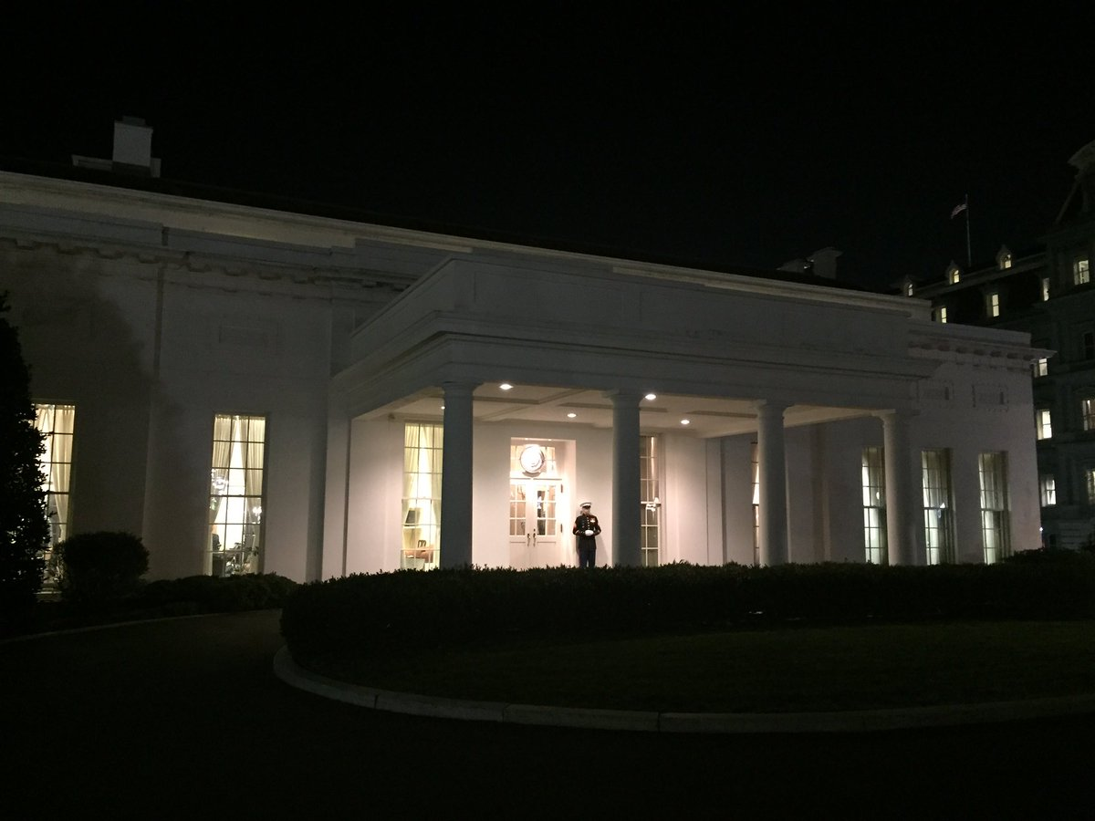 Just saw Marine leave station outside West Wing meaning @potus has left too. Offices empty, Obama photos off walls.