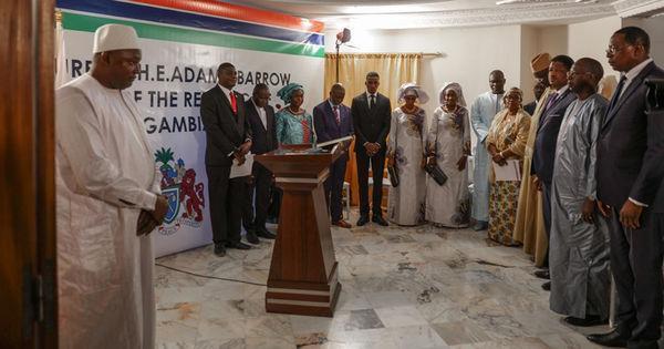 Gambie : dernier ultimatum de la Cédéao, les opérations militaires suspendues https://t.co/FowOCVzDEV