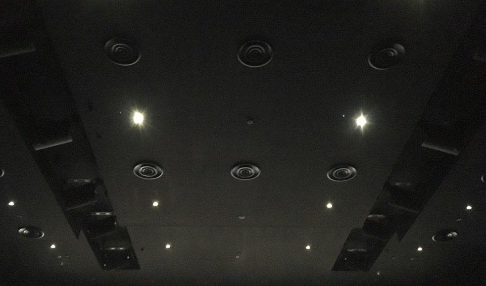 雨の日に千秋楽のAC幕張新都心でplanetarian〜星の人〜。幕張は前回のイベント上映の時も雨でした。8番ULTIR