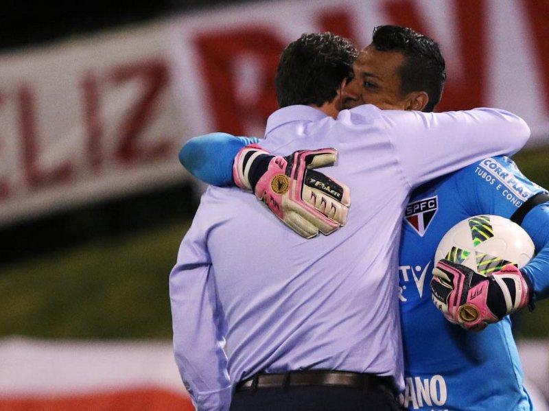 Nos pênaltis, Tricolor avança na @Florida_Cup na estreia de Rogério Ceni #Era01
