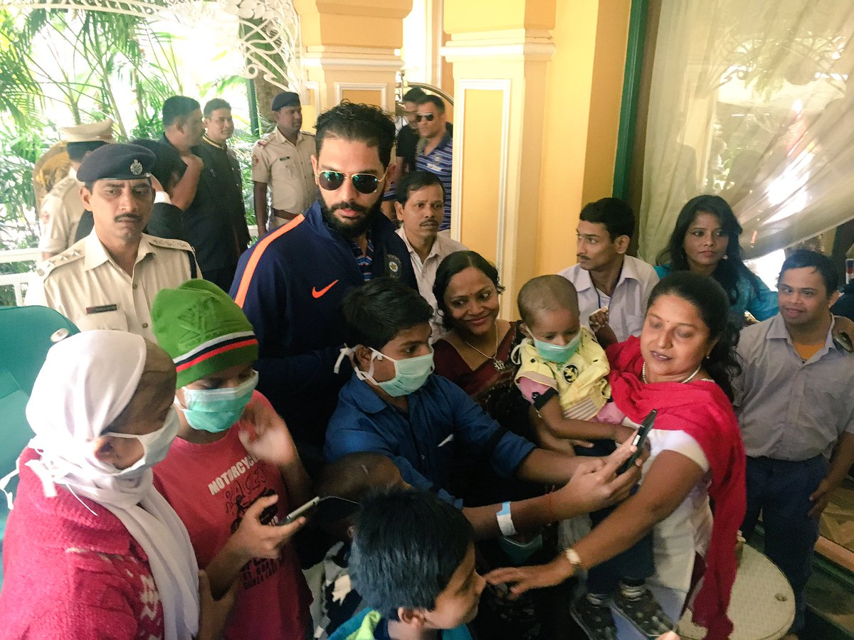 #TeamIndia's @YUVSTRONG12 meets cancer patients #INDvENG