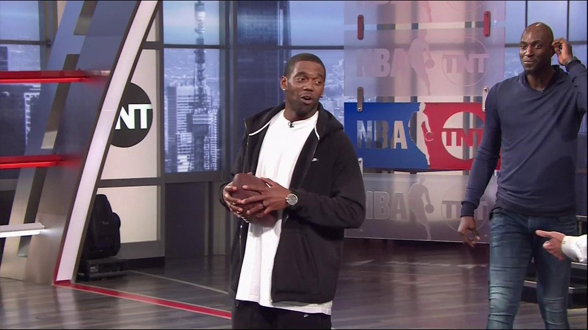 .@RandyMoss & @KGArea21 stop by Studio J for a little 🏈 competition with the #InsidetheNBA crew!