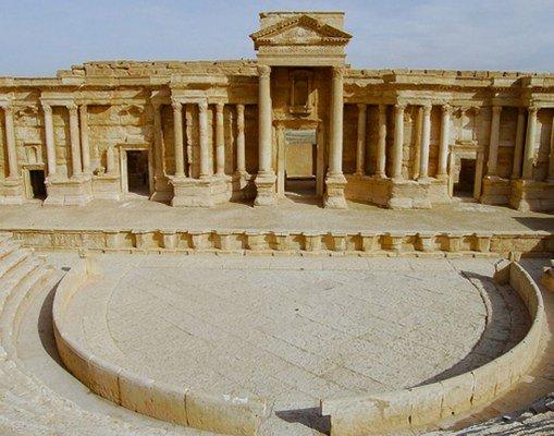 #ÚLTIMAHORA Estado Islámico destruye el teatro romano y el Tetrápilo de Palmira (Siria) https://t.co/iysLvEM81b