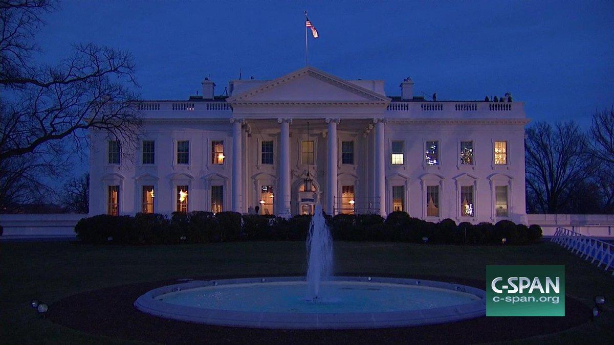 White House sunrise ... #Inauguration https://t.co/OEHip3UXWu