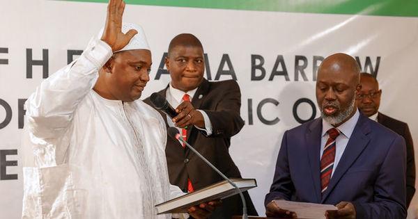 Gambie: ce qu'il faut retenir du discours d'investiture d'Adama Barrow https://t.co/jHbEgtLDza