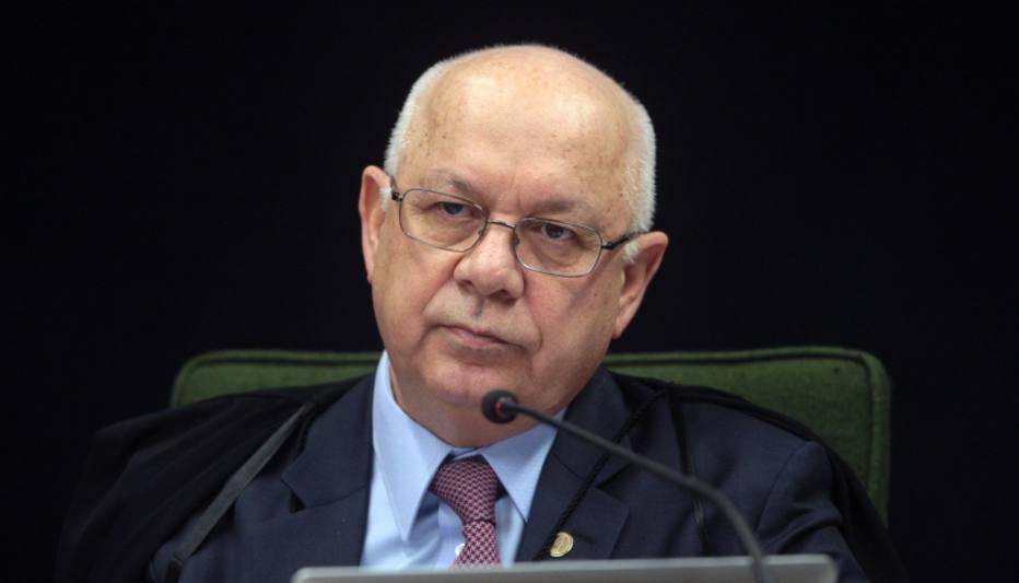 >: '@jose_neumanneEsperanças do Brasil no combate à corrupção caem no mar com Zavascki a bordo' https://t.co/m3iyxz5PZo