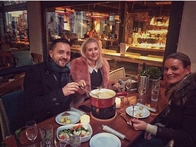 #Repost @melwigs  ・・・ The true Alpine experience @tibits_uk #fondue #meltedcheese #wine #nom