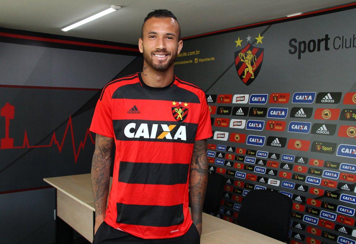 Leão confirma a contratação de Leandro PereiraFoto Williams Aguiar