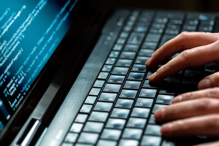 La menace cyber est de plus en plus forte #infographie #cybersecurite  Baromètre réalisé avec @orangebusiness  https://t.co/I3hRo261F1