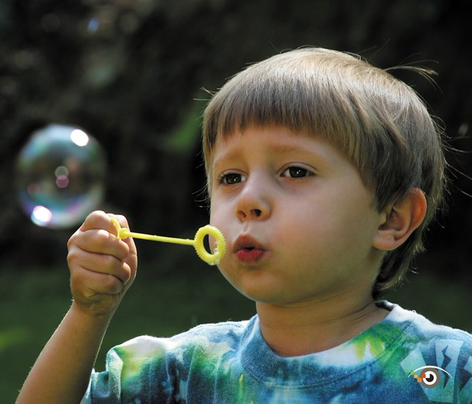 @ricksammon: Remember when something as simple as blowing a bubble made you happy?  @CanonUSApro @KalebraKelby @KelbyOne https://t.co/6t3iMplftf