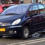 @blikopnieuwsnl - 'Fietsster 20 meter meegesleurd onder auto in Barendrecht' https://t.co/p406uYhd9f https://t.co/Bafqu9Cyzy