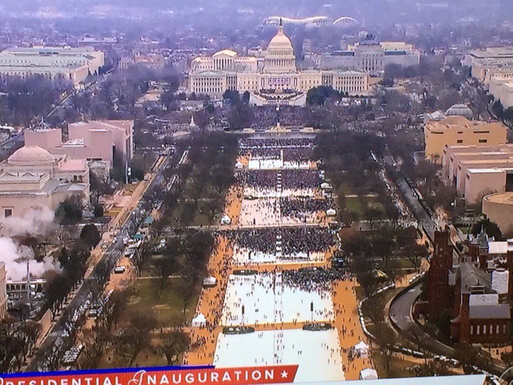View of the Mall at 1115 on @CBSNews https://t.co/EO5gOTSasq