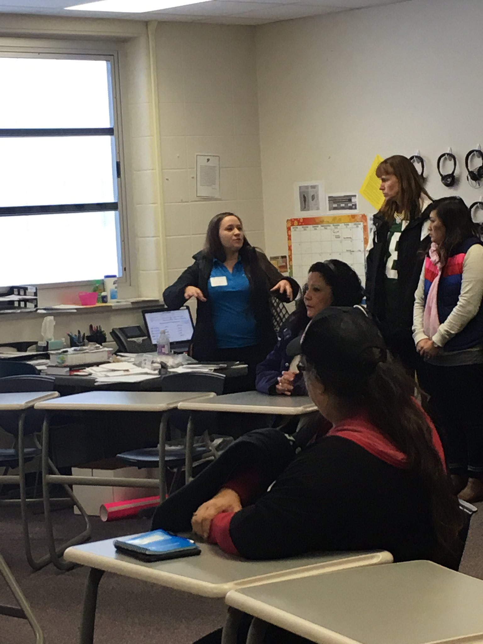 Today the Native American Language Workshop participants came and toured our Oneida Language Program. #Raiderstrong. @WisDPIais https://t.co/LNT6EyRM8q