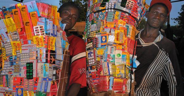 L'Afrique face à l'invasion de faux médicaments https://t.co/BuItrlUfx5