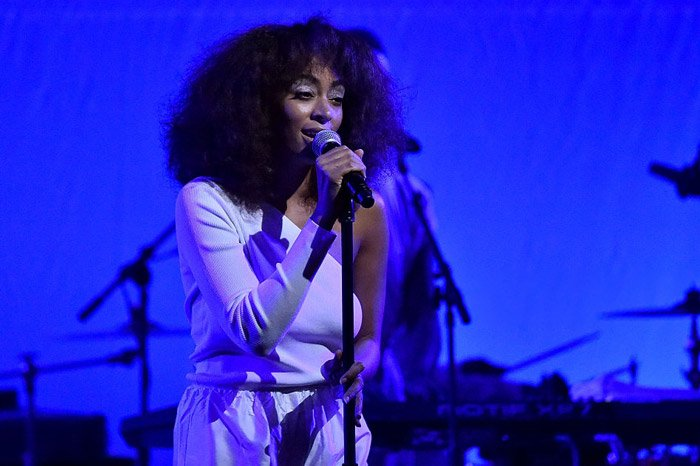 Watch @SolangeKnowles perform a powerful set at the Peace Ball https://t.co/rqH2jvLghp
