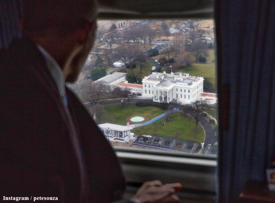 Pres. Obama takes a final look at the White House as he departs Washington, DC, aboard a Marine helicopter on #InaugurationDay.
