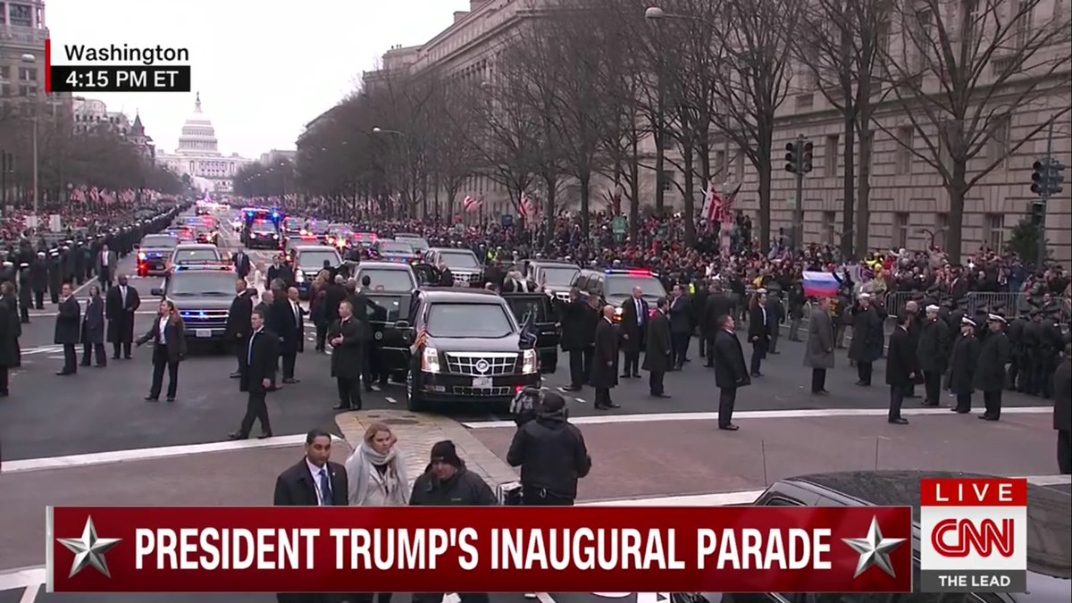 Parade watchers holding up a giant Russian flag, lololol https://t.co/Xcpp0BUIEa