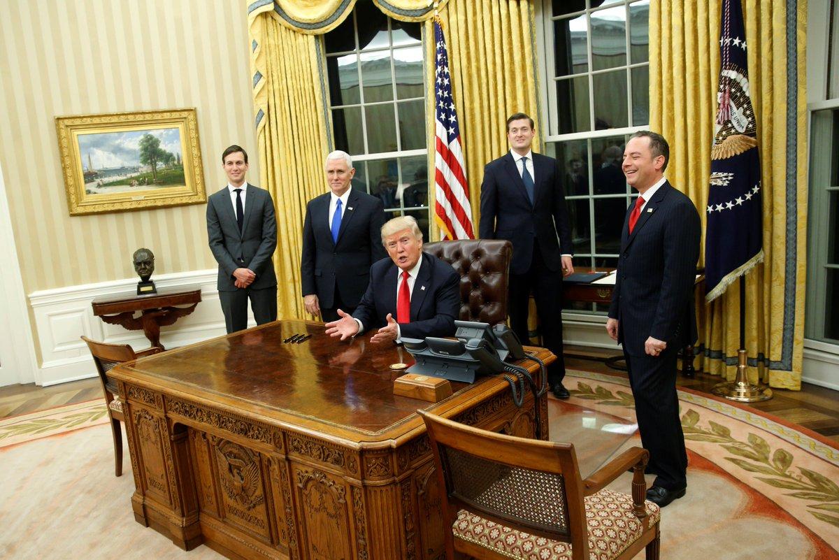Donald Trump au bureau ovale de la Maison-Blanche. /Photo Reuters