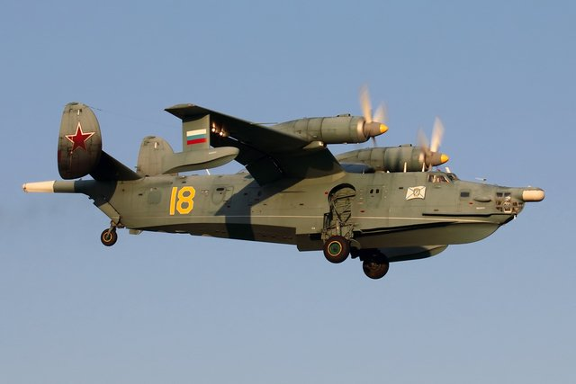 ソ連ベリエフBe-12(M-12)チャイカ(メイル)1961年のツシノ航空ショーで初公開された世界最初の実用ターボプロッ