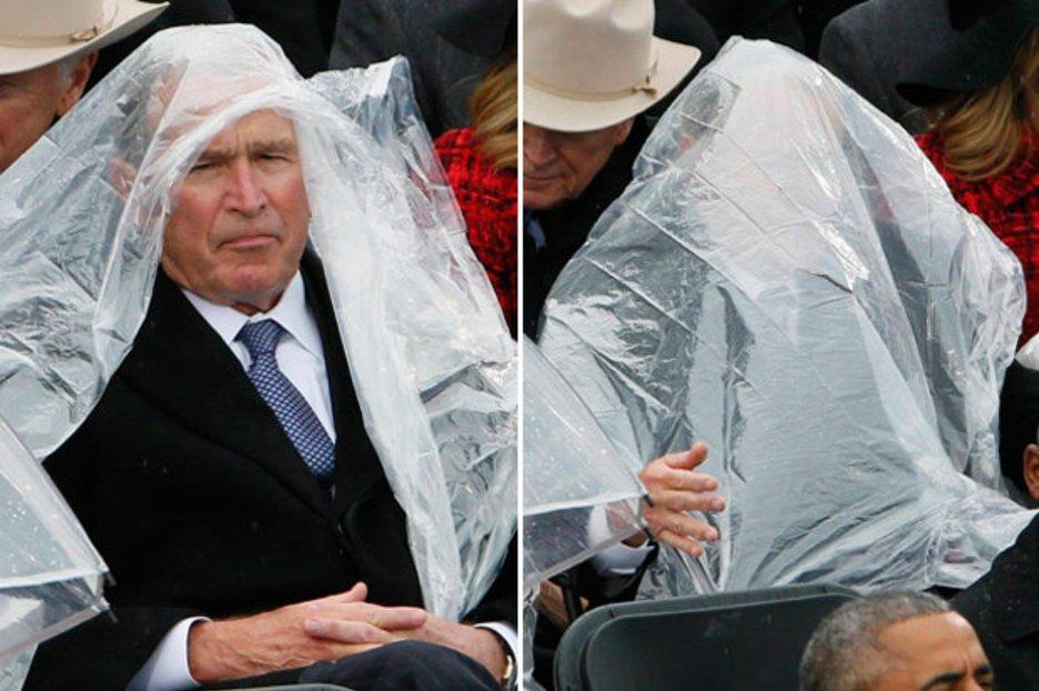 George W. Bush en duel contre un poncho durant l'assermentation de Trump https://t.co/wVxfQBlbds