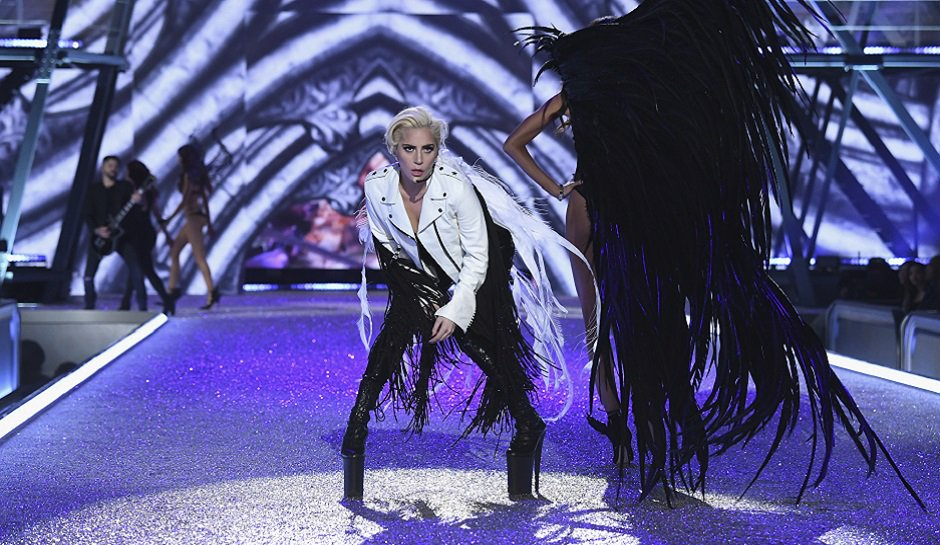 Super Bowl's Half-Time Performance: Lady Gaga Makes It Risky