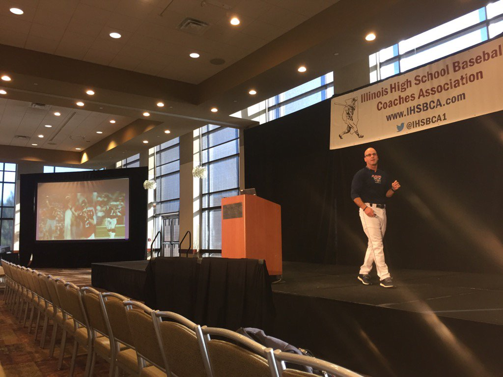 RT @IHSBCA1: Sean McDermott from UIC baseball discussing pre practice, pre game routine at #ihsbca2017 https://t.co/QmlTVhtExY