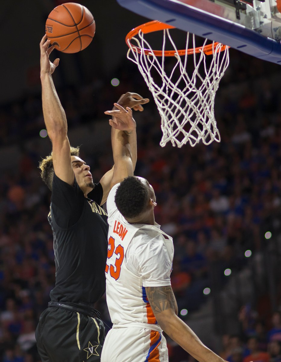 RT @SECNetwork: The 'Dores Bring the Magic on the Road!  @VandyMBB upsets No. 19 Florida, 68-66. https://t.co/Pi3VNuWOGD