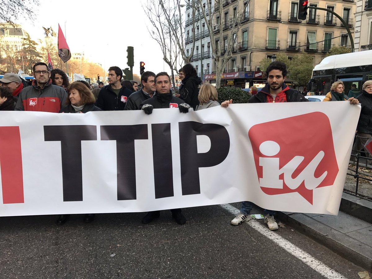 RT @Caninator: En Madrid, gritando alto que no queremos #niCETAniTTIP #21EstopCETA https://t.co/j37xs6aVKZ