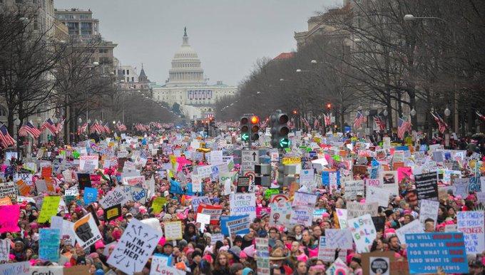 'Women's March': Der erste Tag gehörte Trumps Gegnern https://t.co/p3eZrht6sg