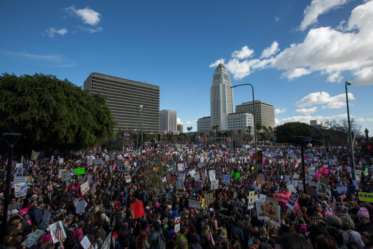 #BREAKING More than half a million attend #WomensMarch in Los Angeles: police spokesman