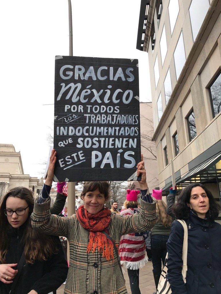 RT @EnriqueKrauze: En la marcha de Washington! https://t.co/cJnMTn5GEw