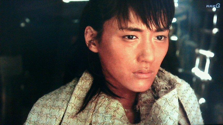 NHK「精霊の守り人2」が始まりましたね、綾瀬はるかさんは天然ぽいと云われてますが、女優モードになると怖いぐらいに演者に