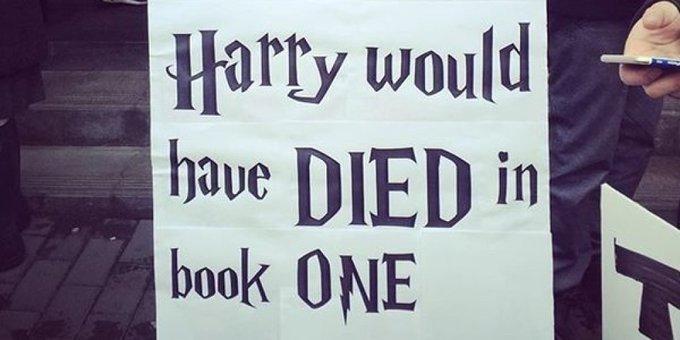 여성들의 행진에서 포착한 최고의 피켓들: '헤르미온느가 없었다면 해리는 1편에서 죽었을 것이다.' https://t.co/EHcAotbFBq