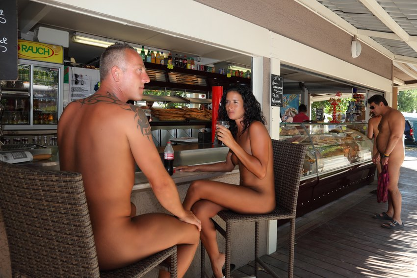 nudism makes your life different ... https://t.co/XngmOrrMZH