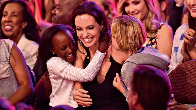Após 12 anos, mãe biológica de filha adotiva de Angelia Jolie quer fazer contato. https://t.co/ItzPtYtSF6
