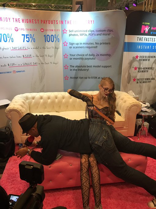 2 pic. @GoddessKyaa always enforcing the good in bad boys. 👌🏻 #AVN #iWantClips https://t.co/hyfeoJEL