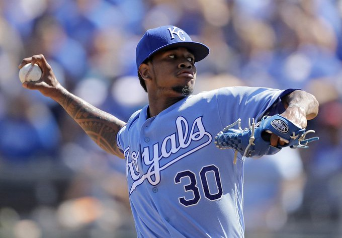 BREAKING: Royals pitcher Yordano Ventura, 25, died in car crash in the Dominican Republic this morning #RIP