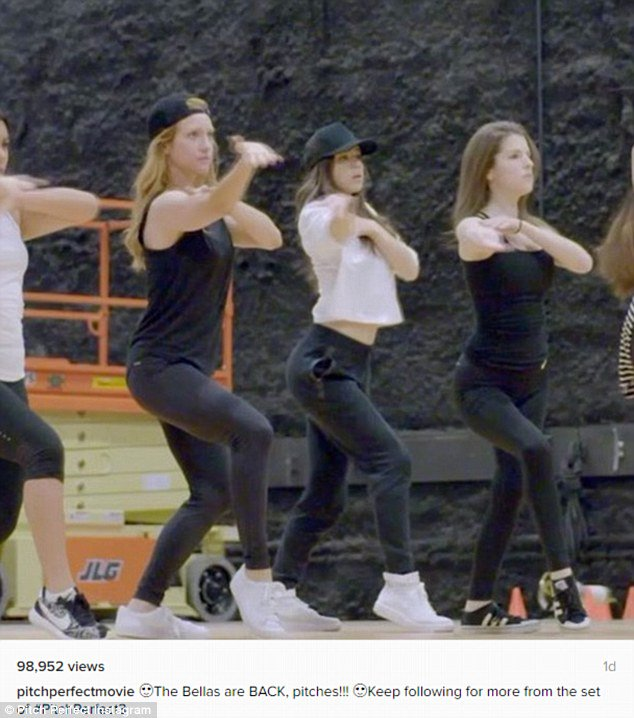 Pitch Perfect 3's Anna Kendrick, Hailee Steinfeld, and Rebel Wilson practice dance moves https://t.co/gikPgzwiR5