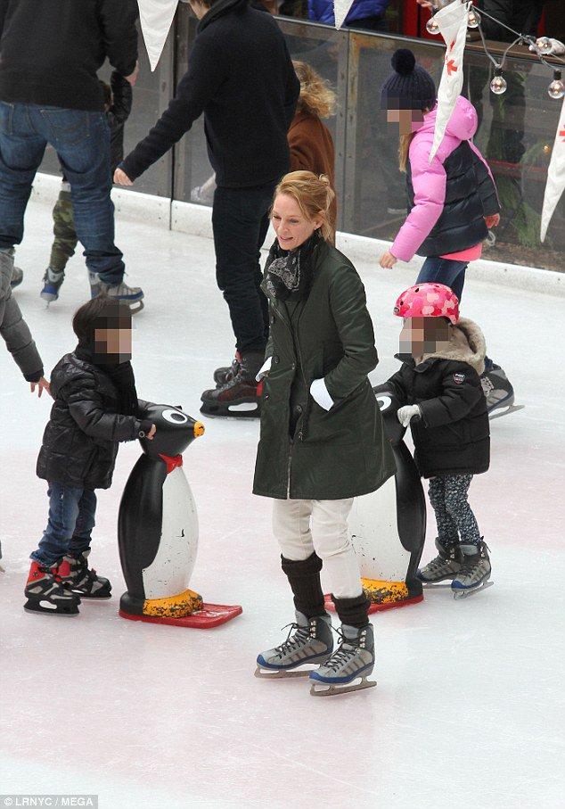 Uma Thurman takes daughter Luna ice skating in Manhattan https://t.co/lGDVw2QjrB